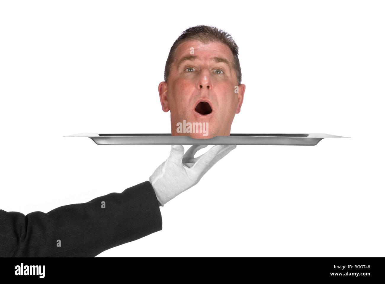 Un jefe se sirve en un plato por un camarero. Imagen fue baleado para utilizar como cualquier inferencia de problemas Imagen De Stock