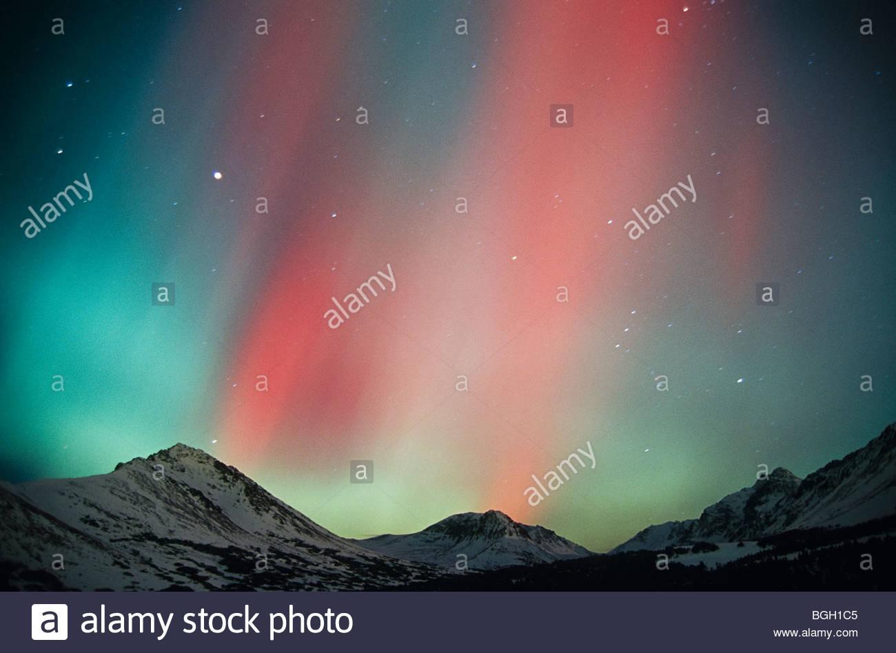 Alaska, Anchorage. Aurora, montañas Chugach. Imagen De Stock