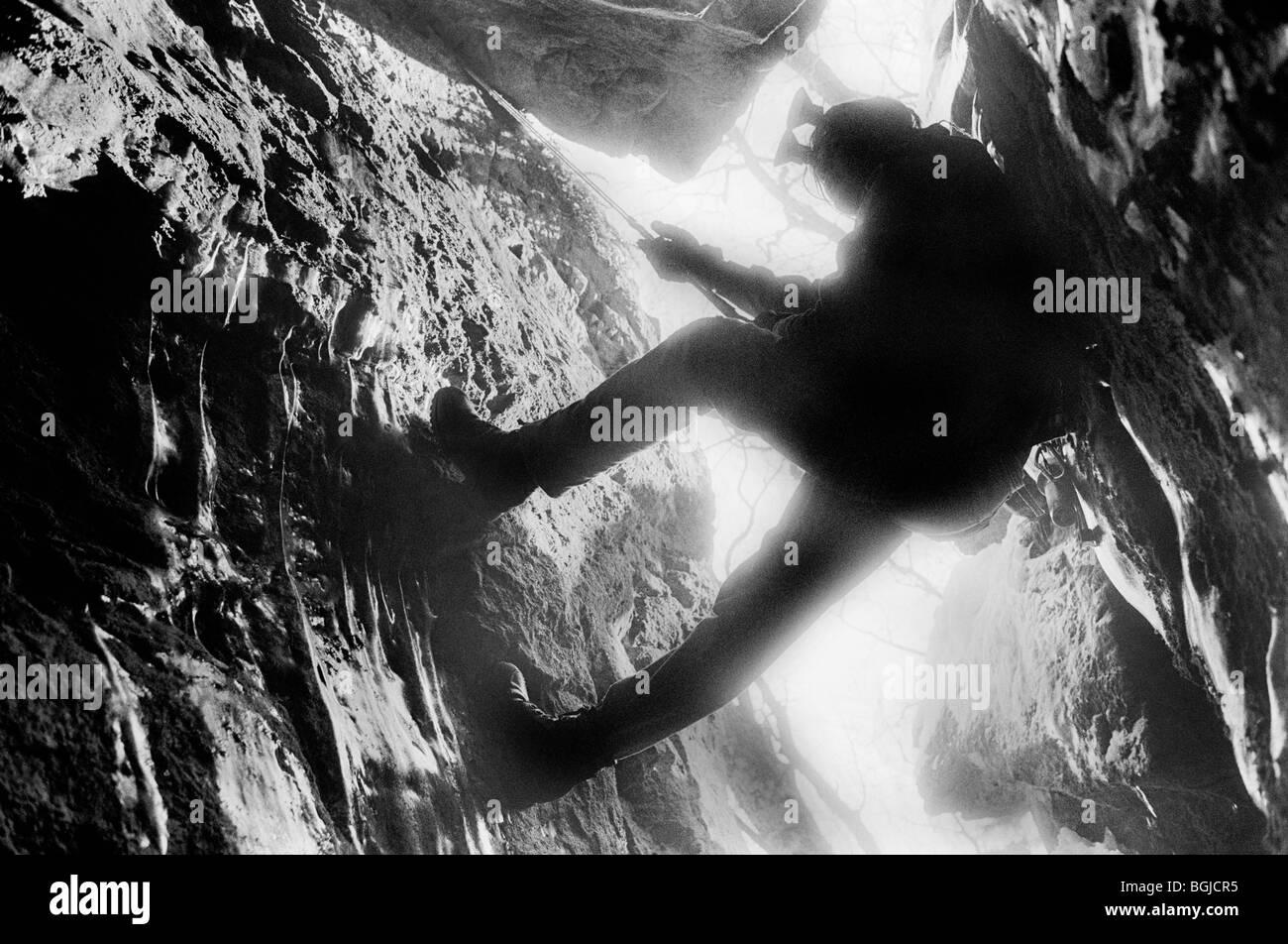 Cueva explorer. Suecia. Foto de stock