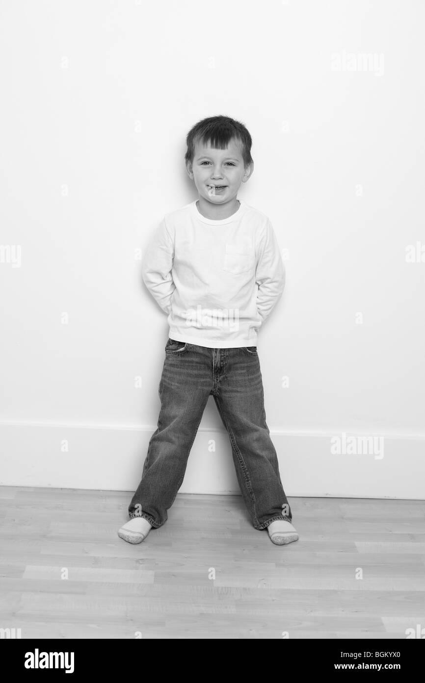 Joven en blanco y negro Imagen De Stock