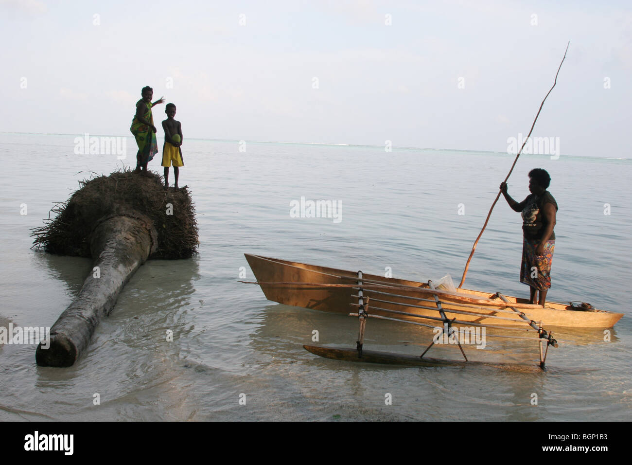En nad, isla del atolón Carterets, Papua Nueva Guinea Imagen De Stock