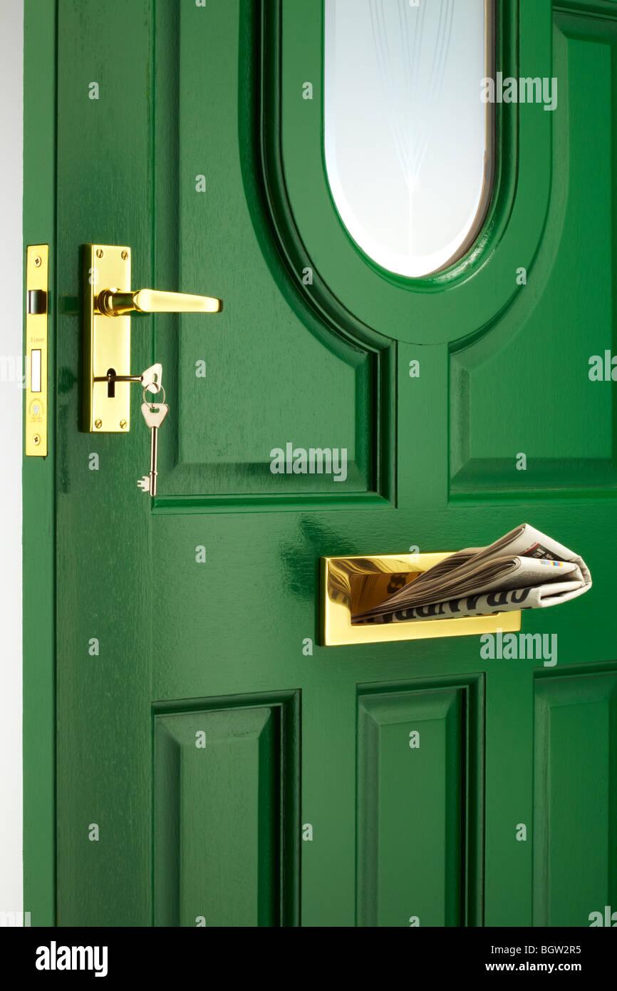 Puerta frontal pintado de verde Imagen De Stock