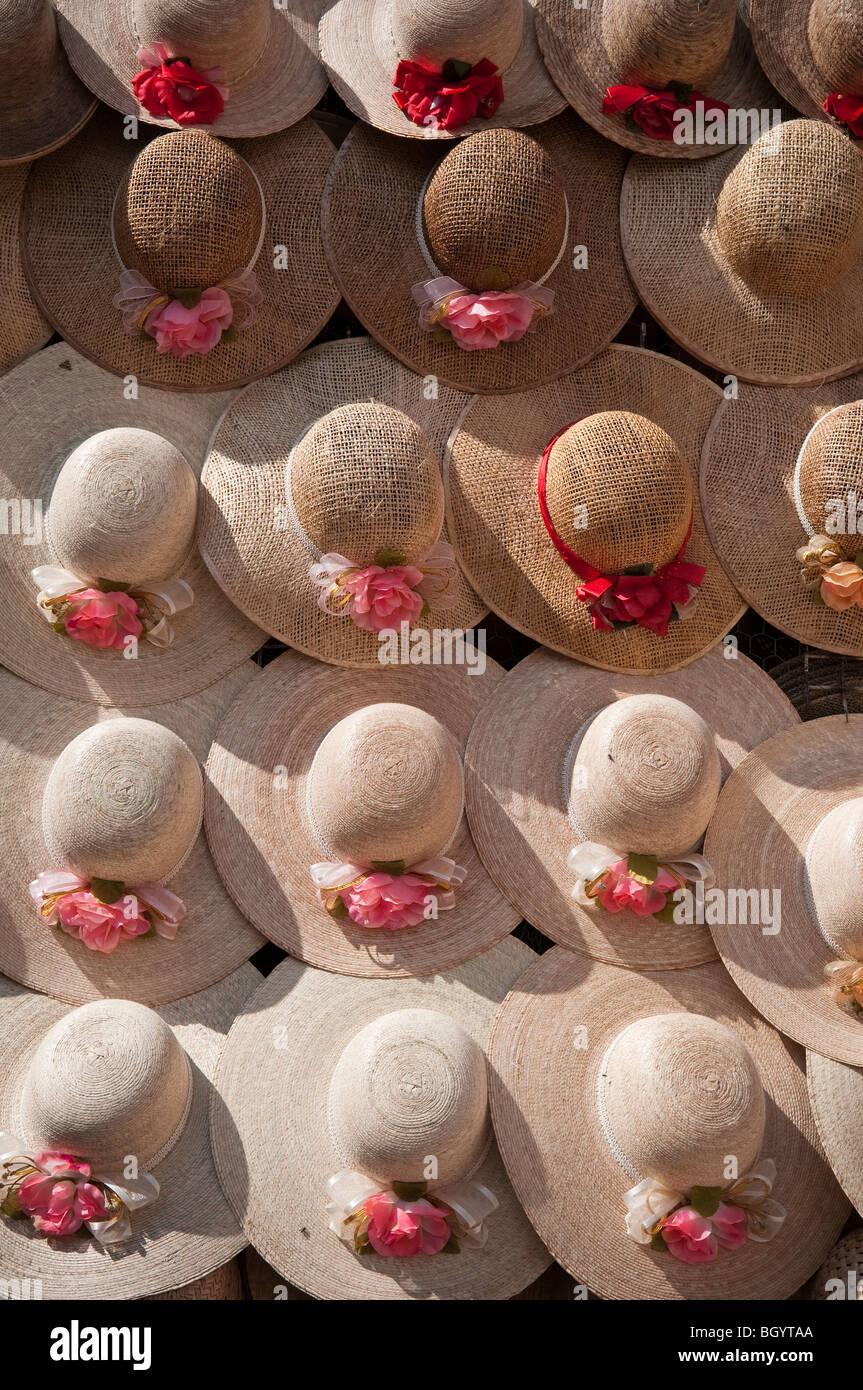 Sombreros Mexico Mexican Hats Imágenes De Stock   Sombreros Mexico ... 9fffad1aa6e