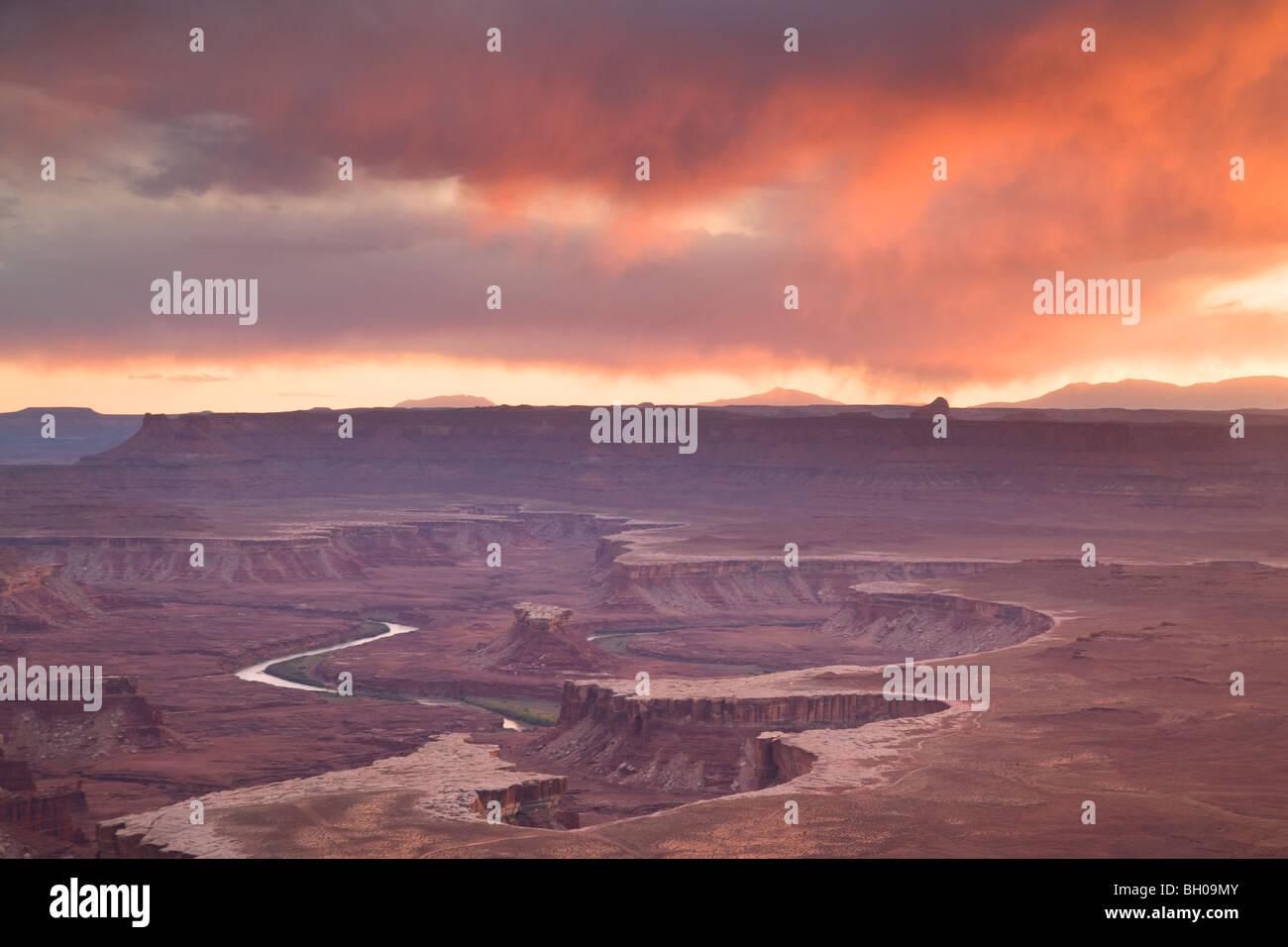 Vistas del Río Verde, distrito de Island in the Sky, Canyonlands National Park, cerca de Moab, Utah. Foto de stock