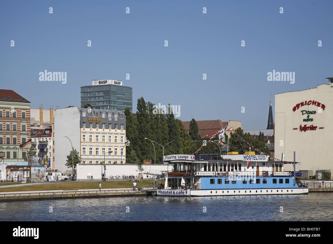 El Eastern Comfort Hostel Berlin Spree. Imagen De Stock