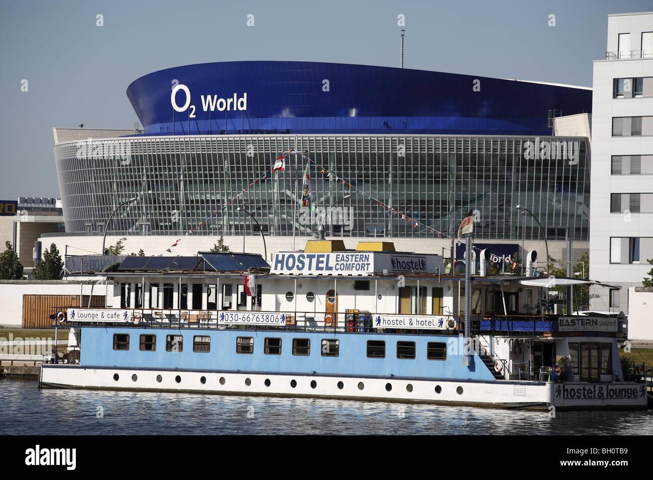 O2 World de Berlín Spree EASTERN COMFORT HOSTEL Imagen De Stock