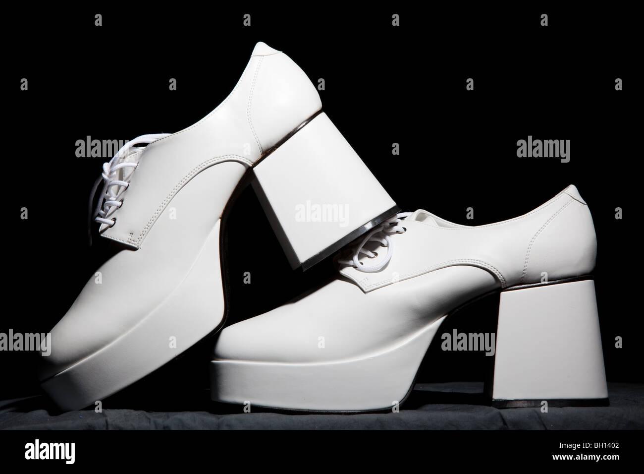 Mens zapatos con plataforma blanca Imagen De Stock