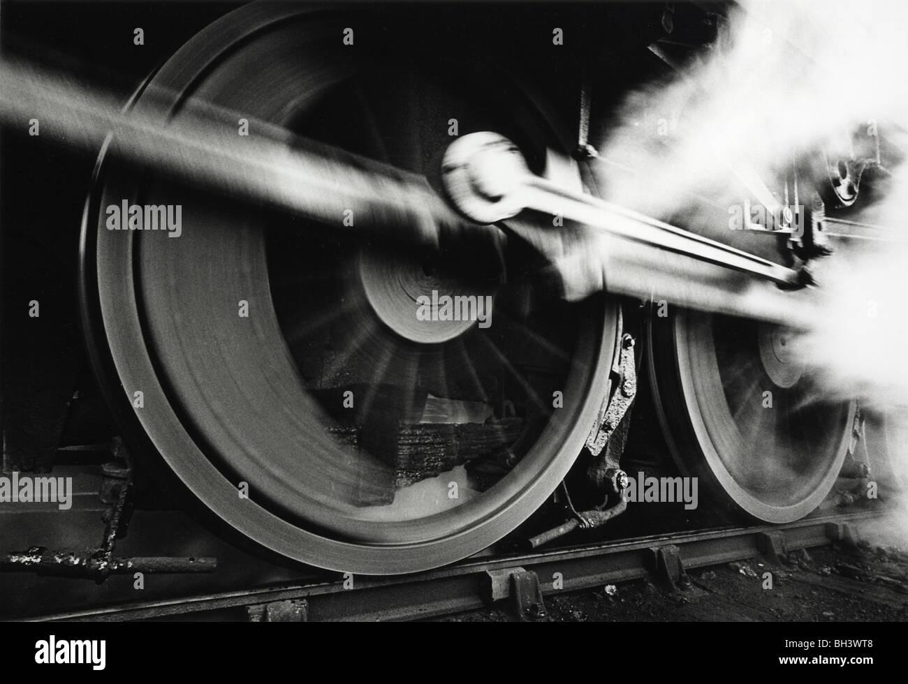 Ex LMS 44709 clase 5 locomotora a vapor de levantarse en 1968 Imagen De Stock