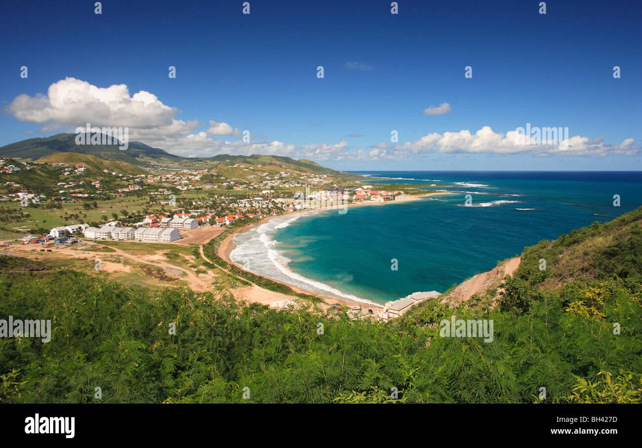 Seascape y playa, St Kitts, Indias Occidentales, el Caribe Foto de stock