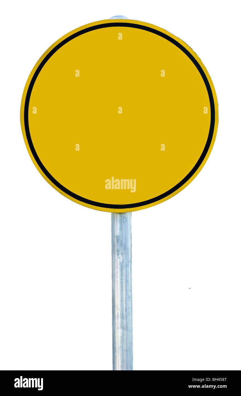 Una señal de carretera en blanco aislado en blanco Foto de stock