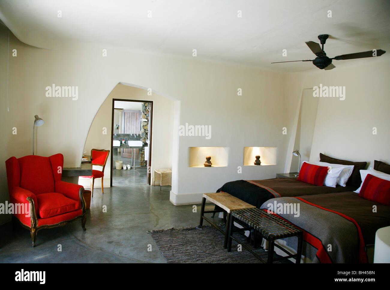 El dormitorio en el lujoso Cavas Wine Lodge, Luján de Cuyo, Mendoza, Argentina. Imagen De Stock