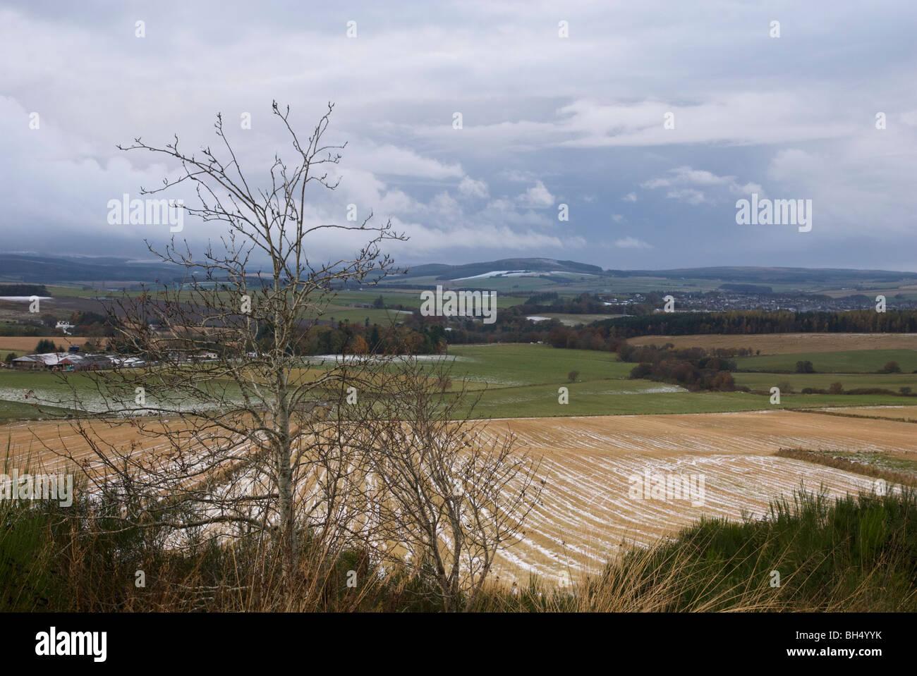 Vista de Balloch Madera, aldea de Keith y Hill Foto de stock