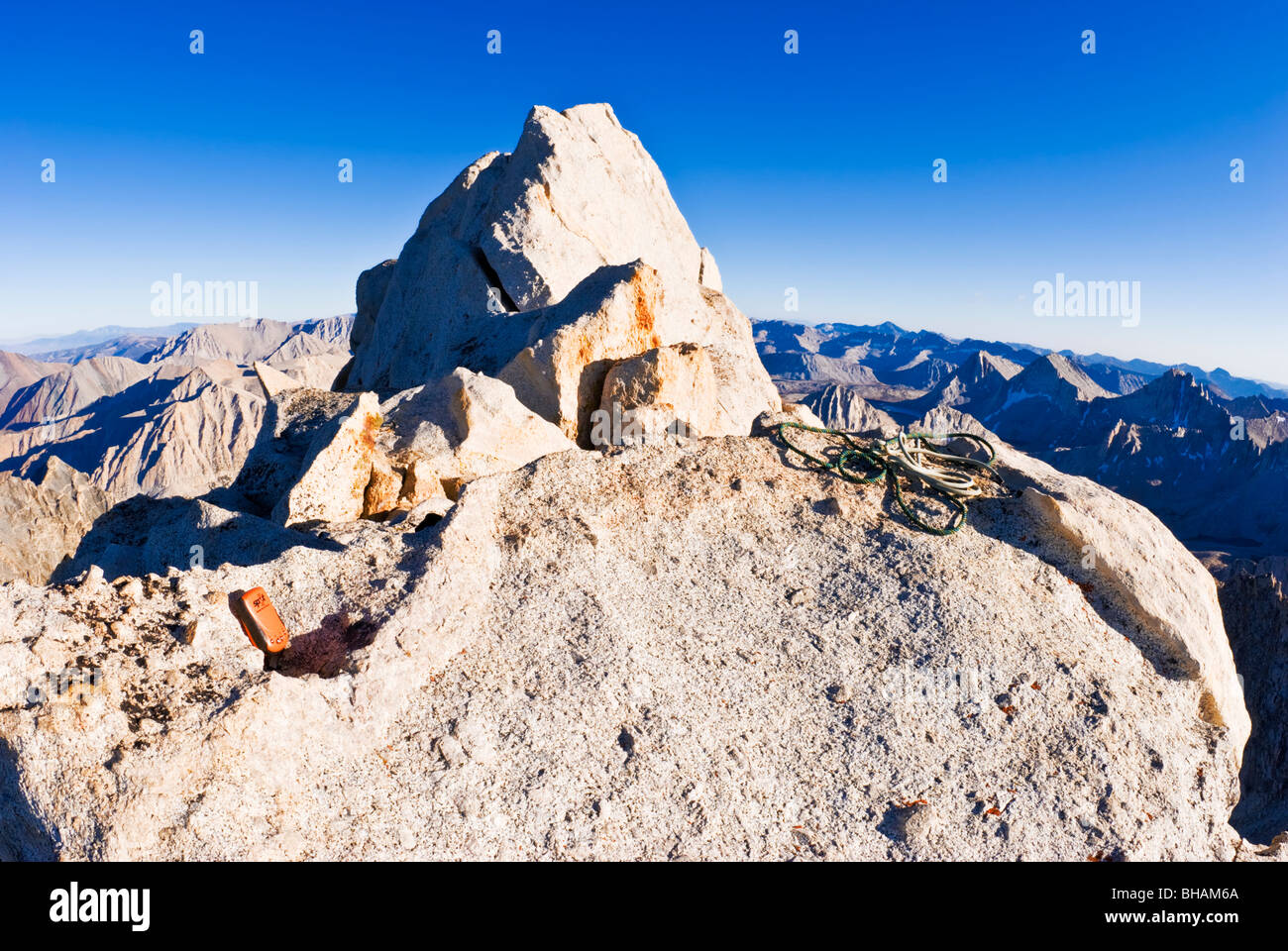 Manchas de Messenger en la cumbre de Bear Creek Spire, John Muir desierto, montañas de Sierra Nevada, California Imagen De Stock