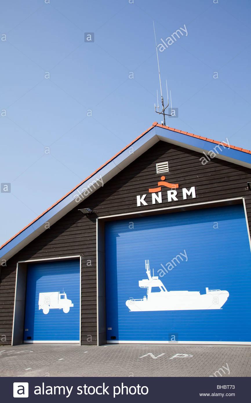 Benelux blauw holandés helder KNRM KoninklijkeNederlandse Europa Holanda Holanda voorjaar lente Reddings Maatschappij Foto de stock