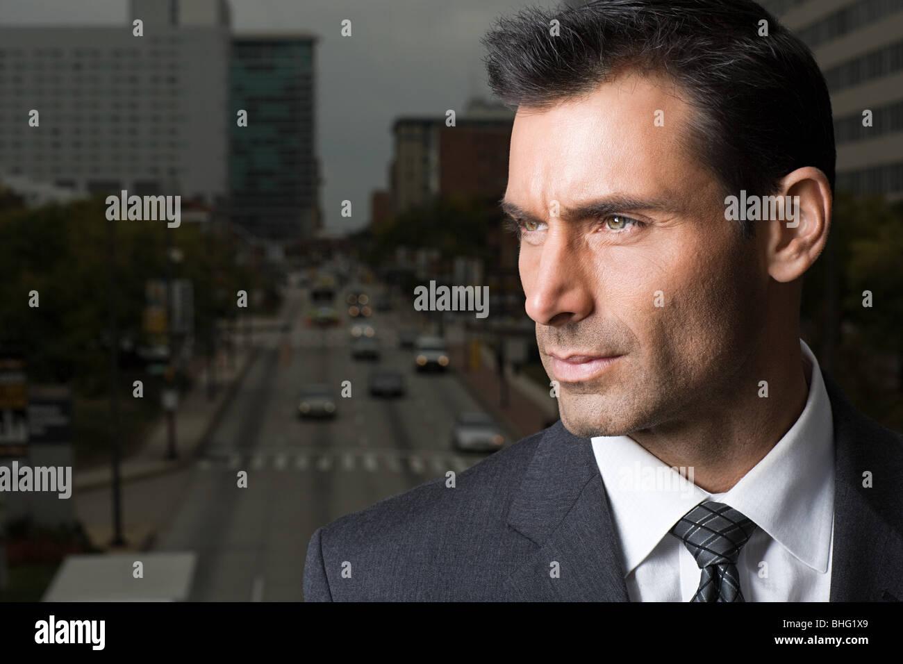 Disparo a la cabeza de un empresario adecuado Imagen De Stock