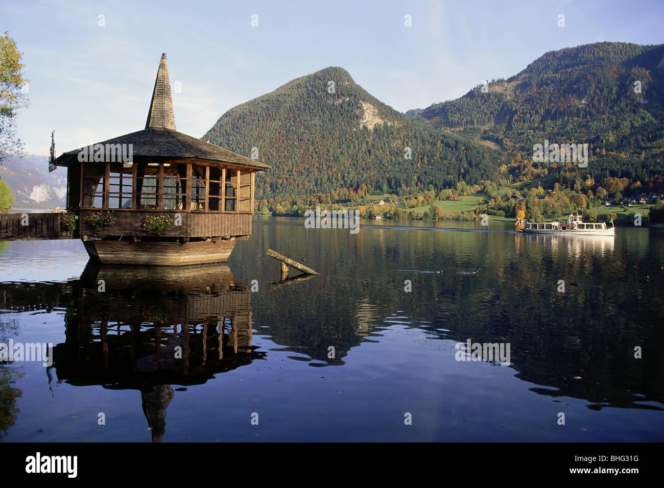 Geografía / viajes, Austria, Estiria, los paisajes, la vista del lago Grundl Grundlsee (agua), pabellón, Imagen De Stock