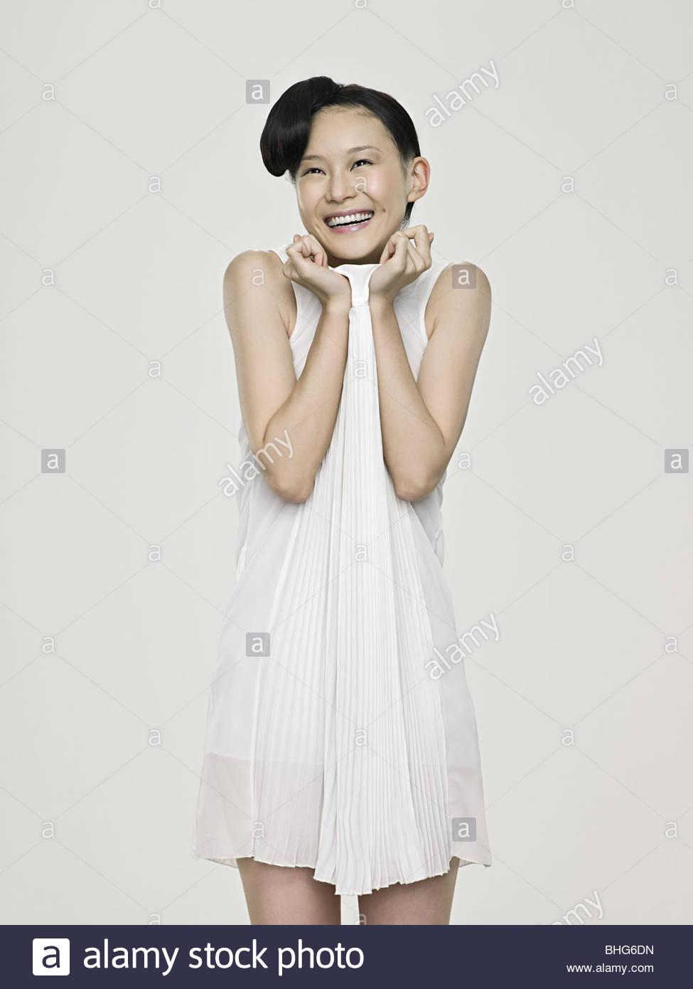 Linda mujer asiática riendo Imagen De Stock