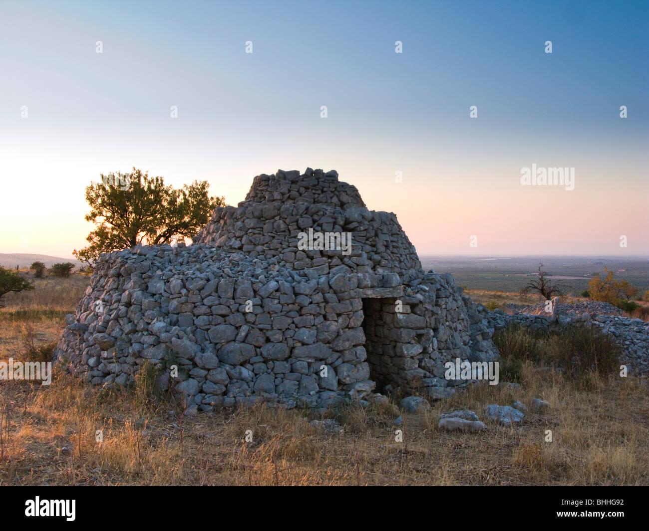 Trullo house en Lama di Luna, Puglia, Italia Imagen De Stock