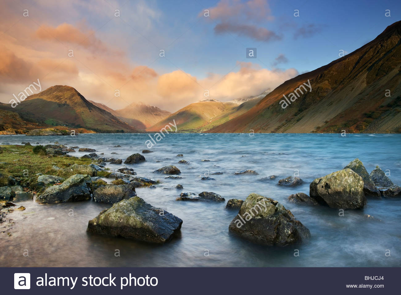 El agua residual, Lake District National Park, Cumbria, Inglaterra, Reino Unido. Imagen De Stock
