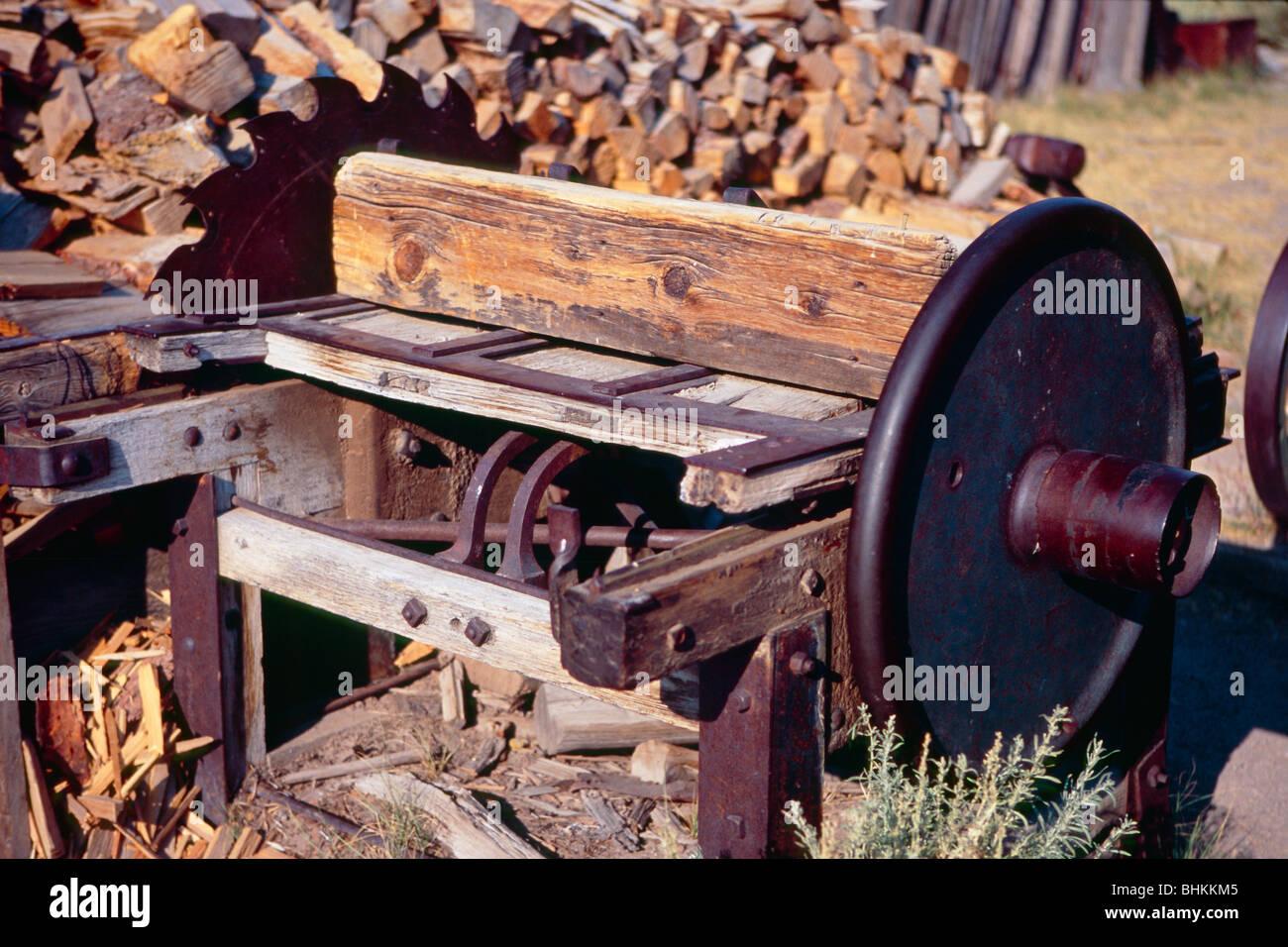 Cerca de una sierra circular, Bodie serrería, California Foto de stock