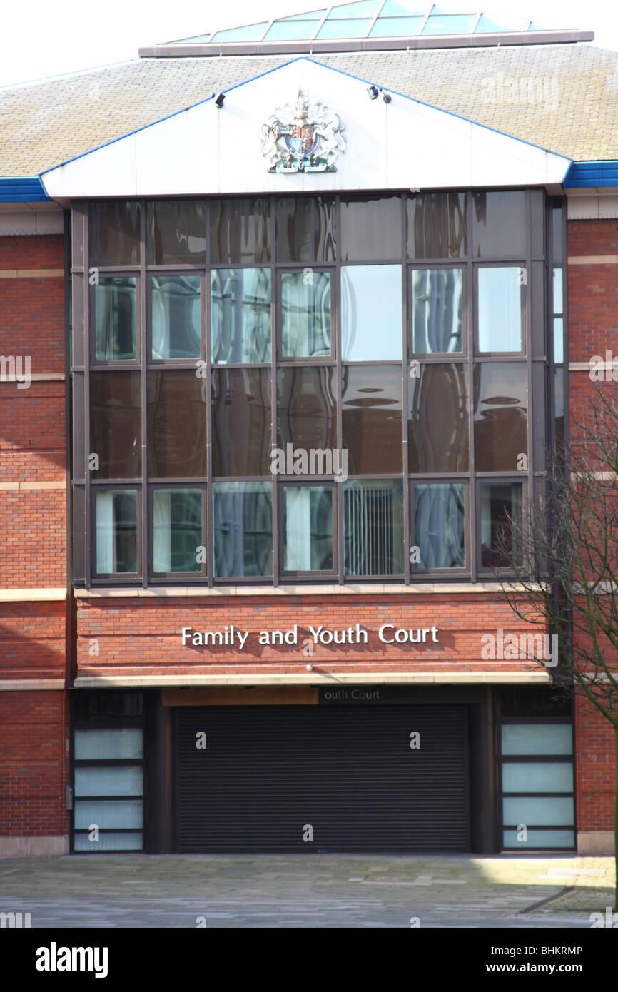 Un edificio de tribunales de familia y los jóvenes en el Reino Unido. Foto de stock