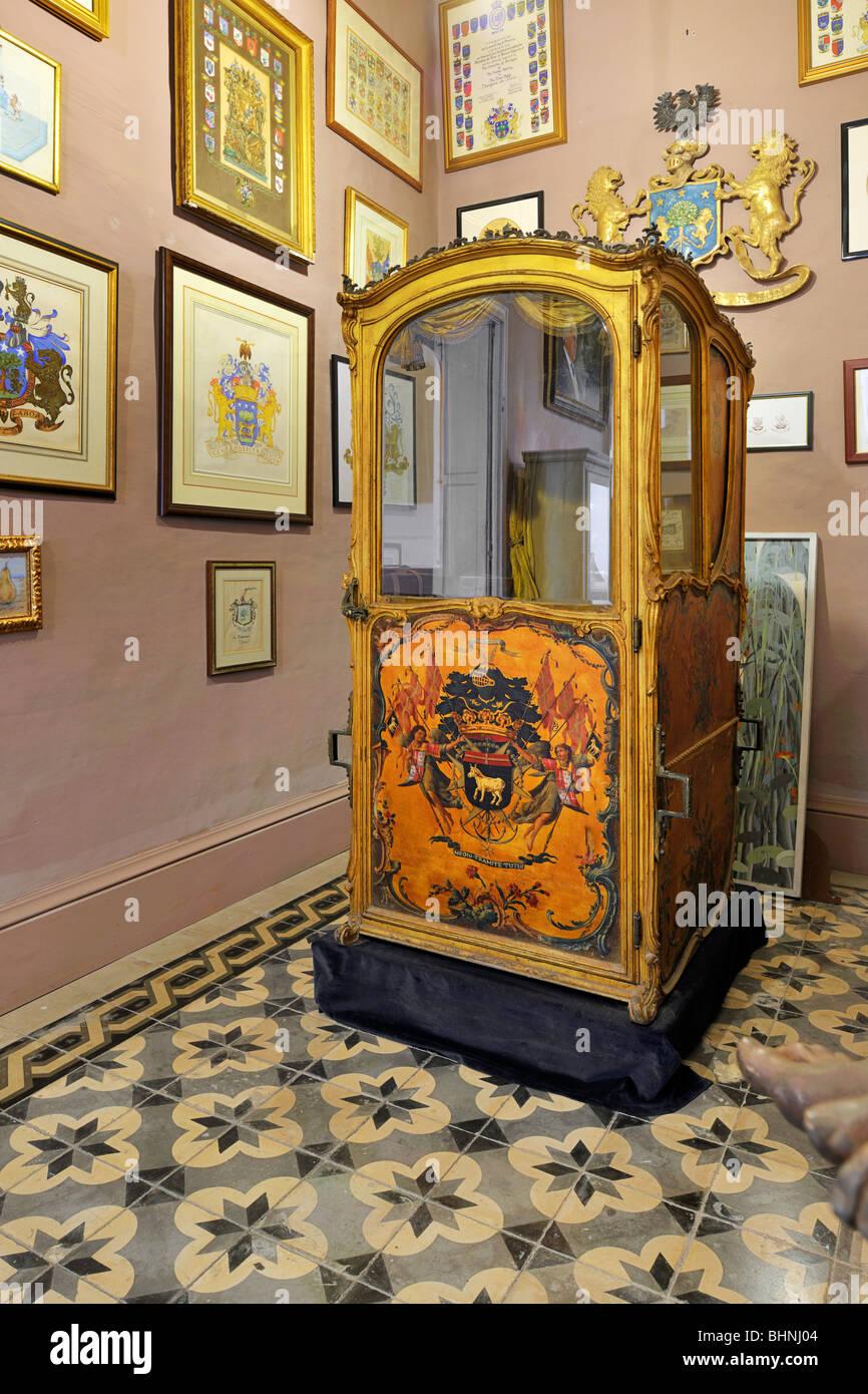 La silla del sedán, Casa Rocca Piccola Imagen De Stock