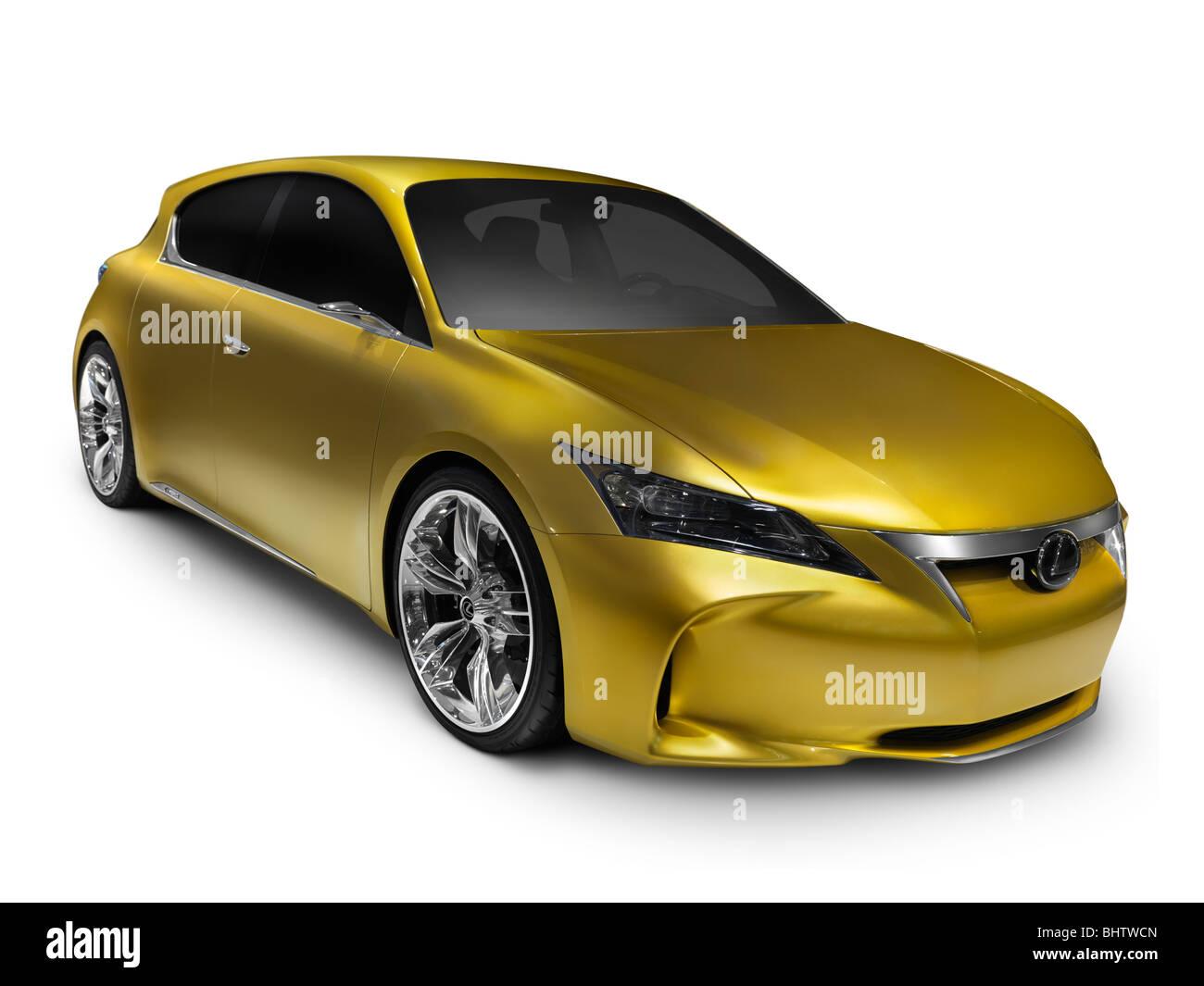 Oro brillante Lexus LF-Ch concept car híbrido. Aislado sobre fondo blanco con trazado de recorte. Imagen De Stock