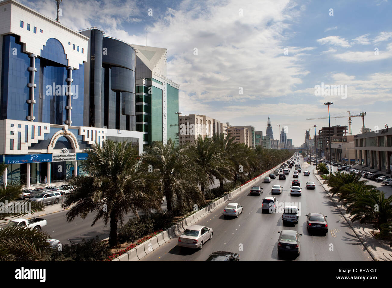 El tráfico en la concurrida calle Riad, Arabia Saudita Imagen De Stock