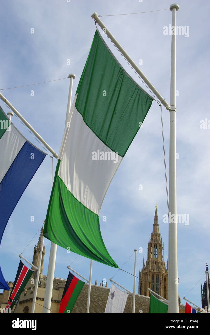 La bandera nacional de Nigeria Londres England Reino Unido Foto de stock