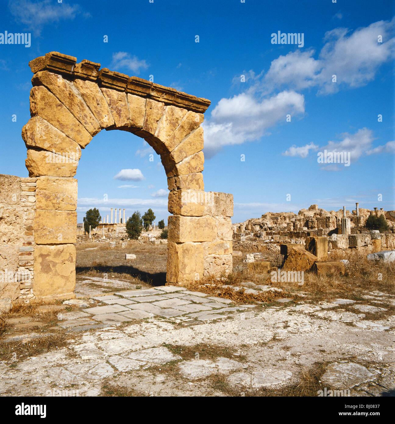 Las ruinas romanas de Dougga, Túnez, África del Norte Imagen De Stock