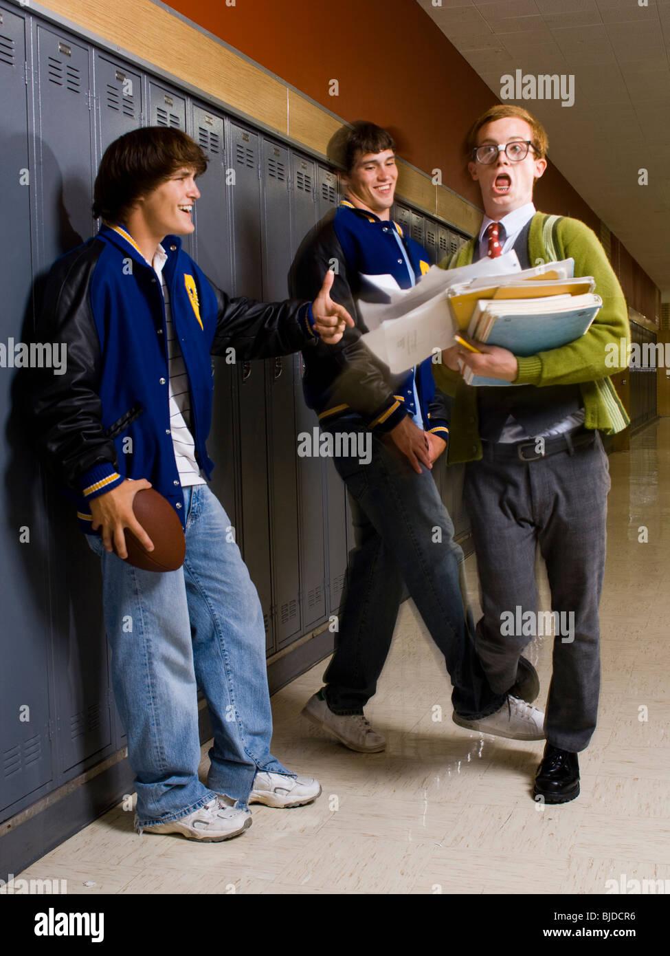 jocks-high-school-y-un-nerd-bjdcr6.jpg