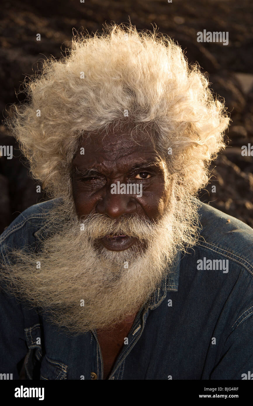Elder David Yurindilli aborigen de 'White Cockatoo' group en Maningrida en Arnhem Land Imagen De Stock