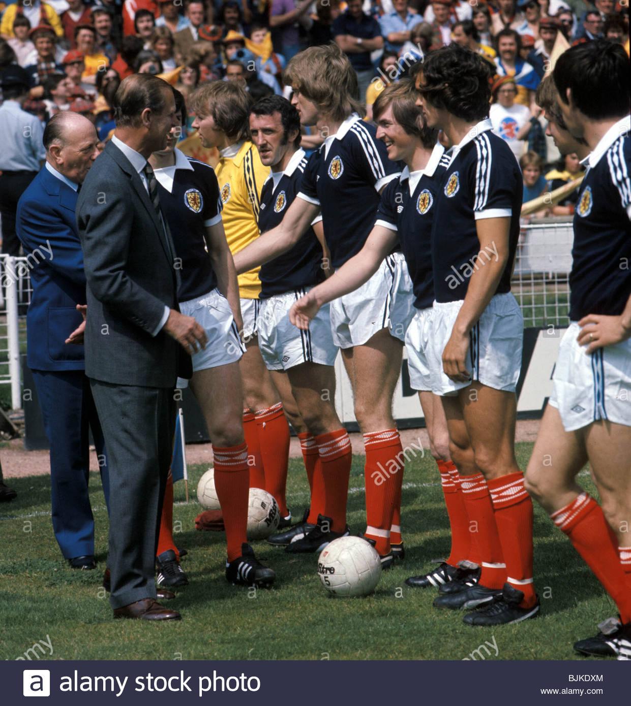 04/06/77 amistoso internacional Inglaterra contra Escocia (1-2) - Wembley de Londres, el Duque de Edimburgo, el Imagen De Stock