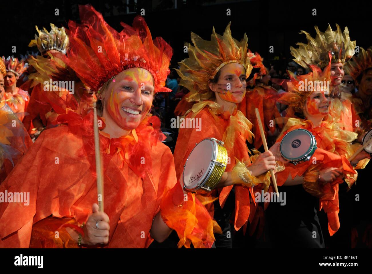Karneval der Kulturen, el Carnaval de las Culturas, Berlín, distrito Kreuzberg, en Alemania, en Europa. Imagen De Stock