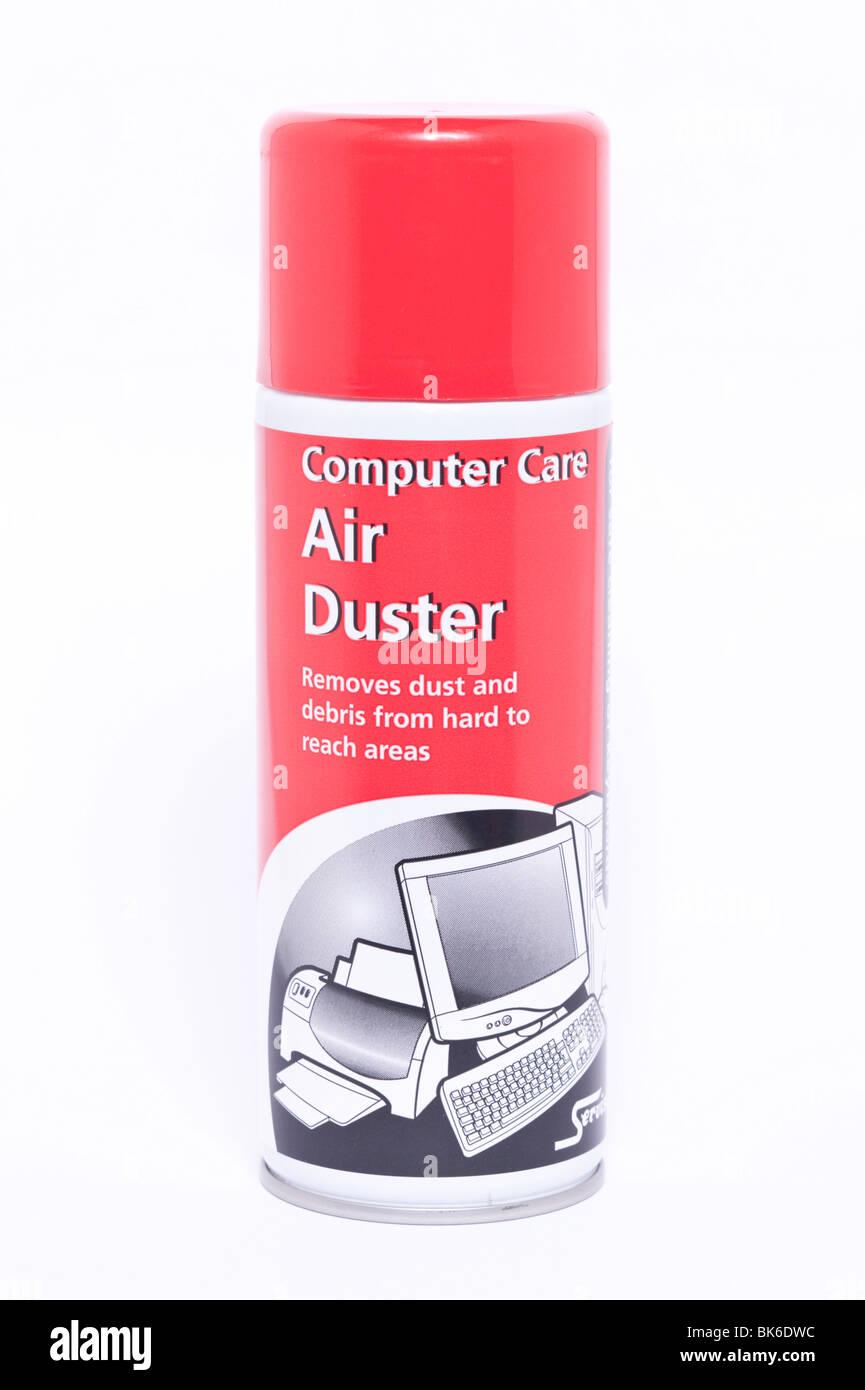 Una lata de aire cuidado del ordenador duster ( ) de aire comprimido para eliminar el polvo sobre un fondo blanco. Imagen De Stock