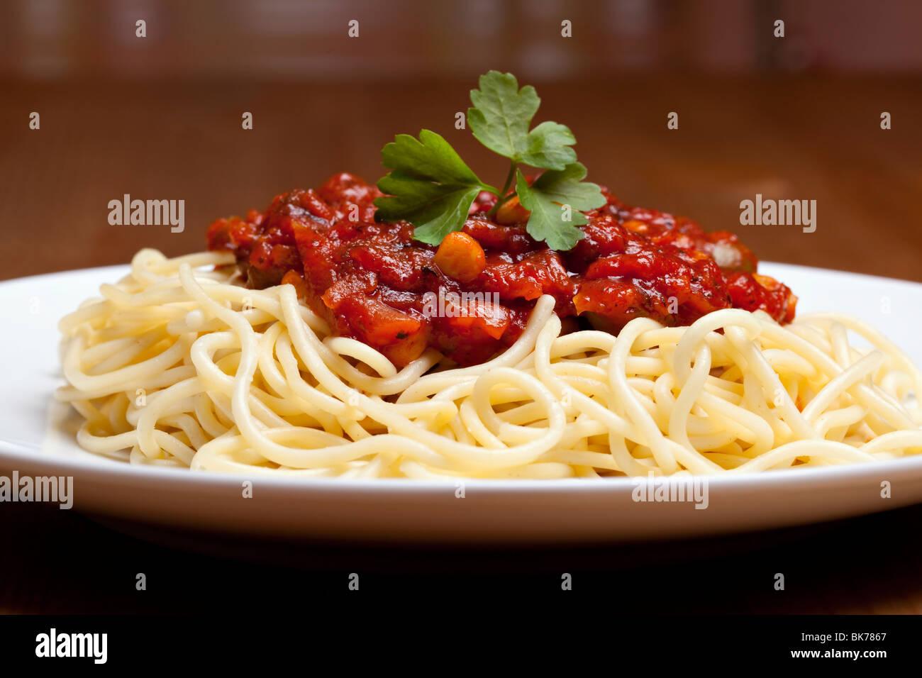 Los espaguetis a la boloñesa, comida italiana tradicional Imagen De Stock