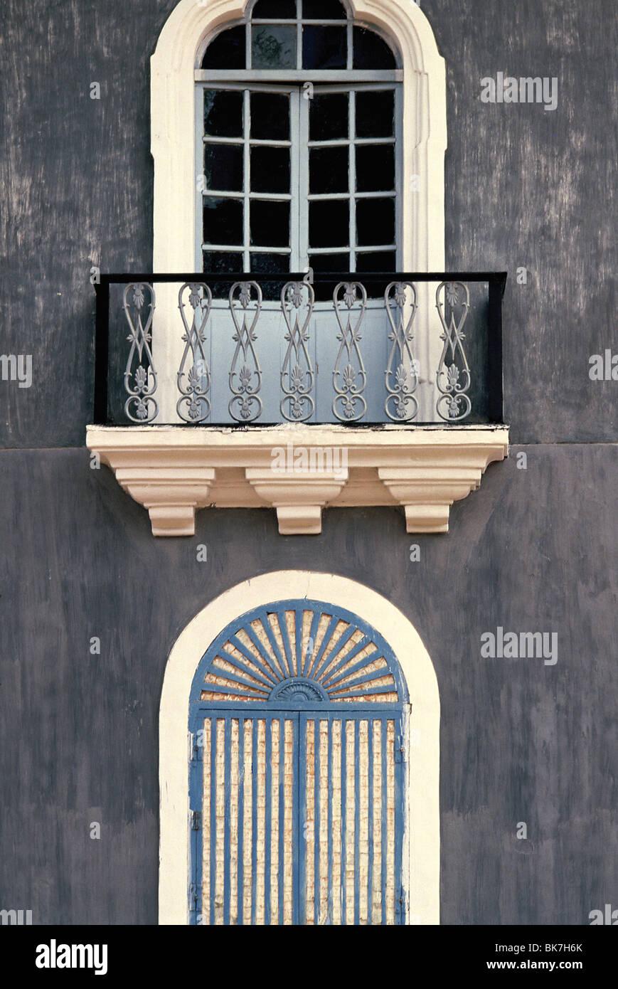 Windows Shell de una antigua casa de Goan. Goa, India, Asia Imagen De Stock