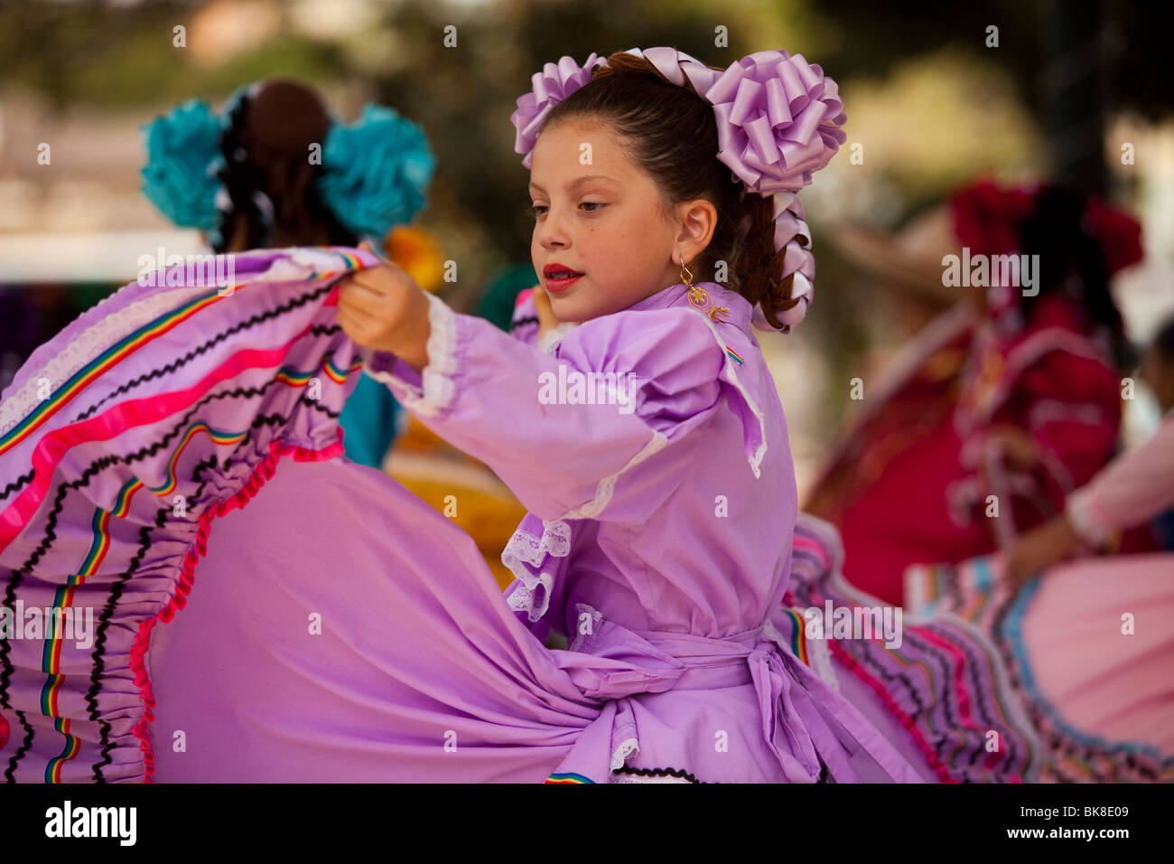 Latino Dance Imágenes De Stock & Latino Dance Fotos De Stock - Alamy