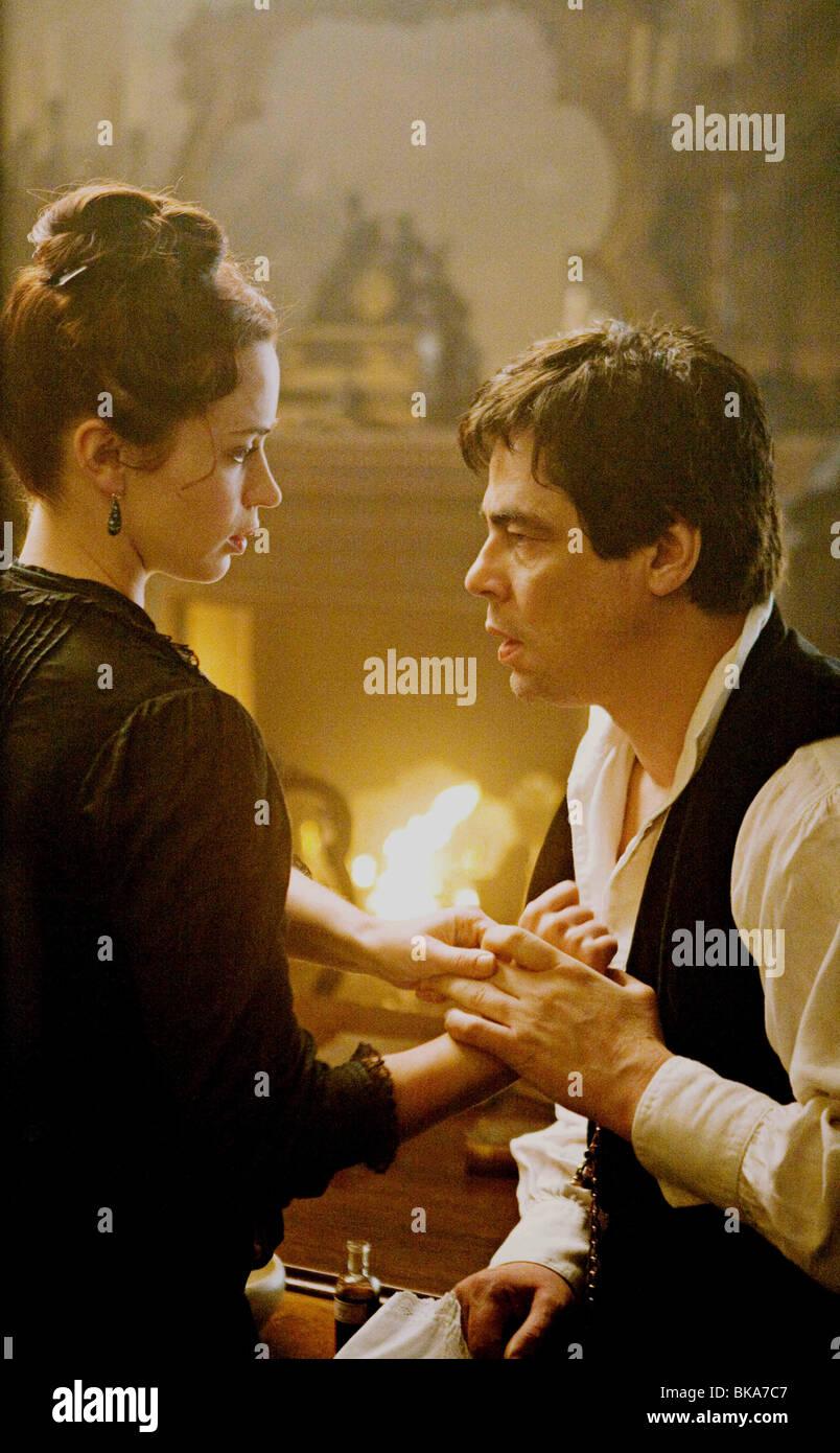El Wolfman Año : 2010 Director : Joe Johnston Emma Romo, Benicio Del Toro. Imagen De Stock