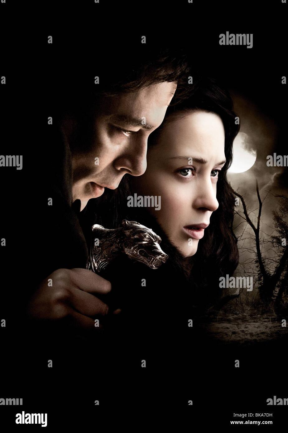 El Wolfman Año : 2010 Director : Joe Johnston Benicio Del Toro, Emma Romo póster de película (textless) Imagen De Stock