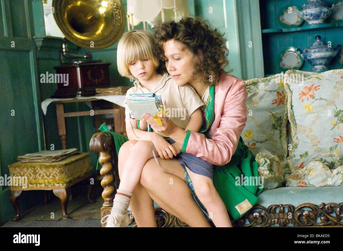 Nanny McPhee y el Big Bang Año : 2010 UK / USA Director: Susanna White Oscar Steer, Maggie Gyllenhaal Imagen De Stock