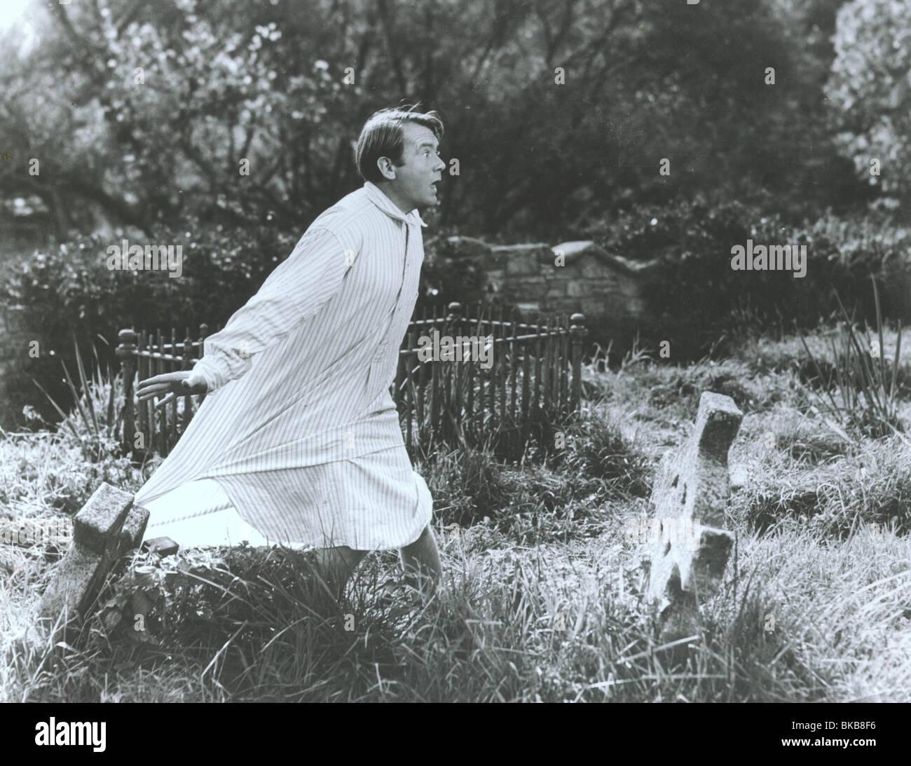 La HISTORIA DEL SEÑOR POLLY (1949) JOHN MILLS HMP 003P Imagen De Stock