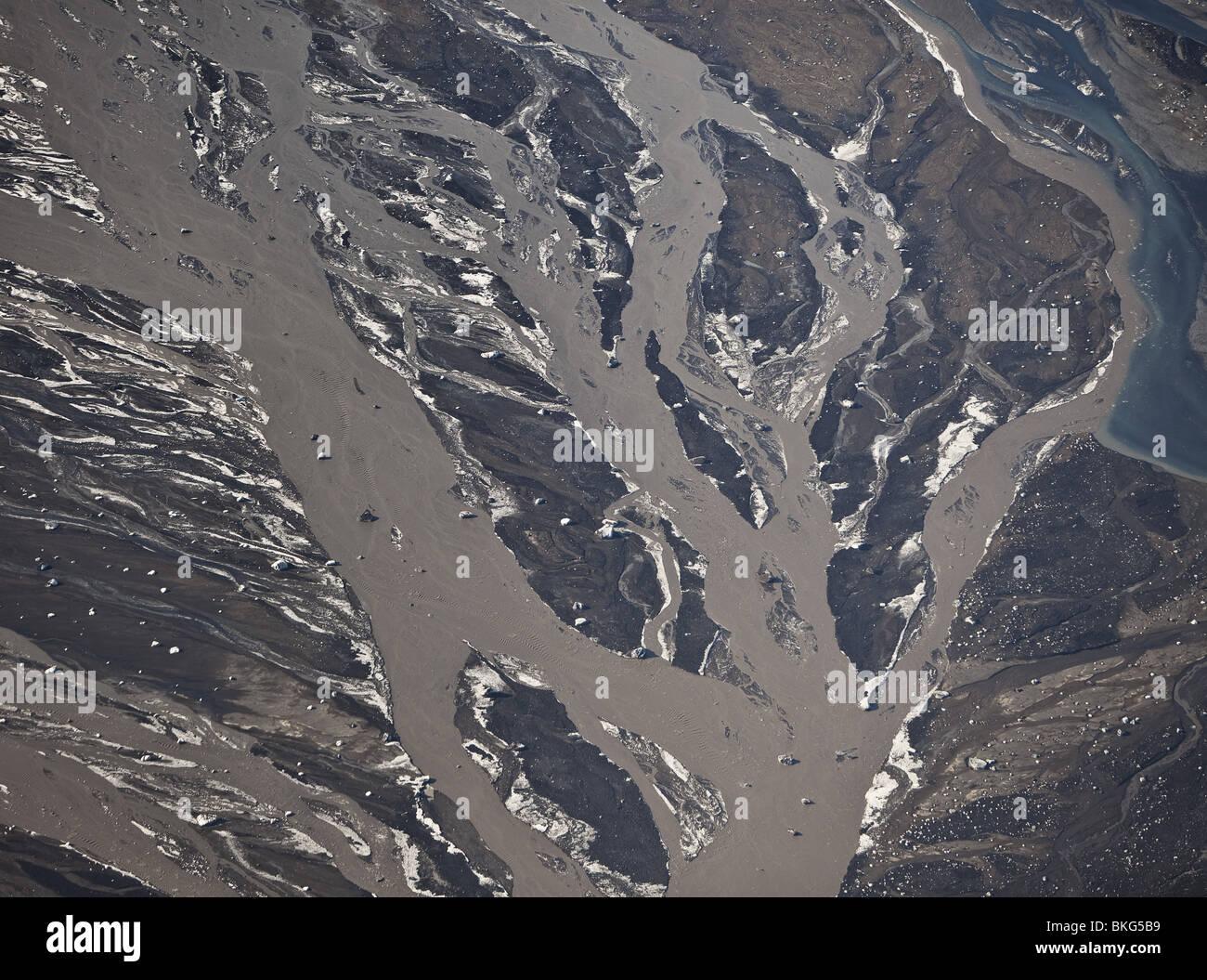 Río Markarfljot con cenizas justo al norte de Eyjafjalljokull erupción volcánica Imagen De Stock