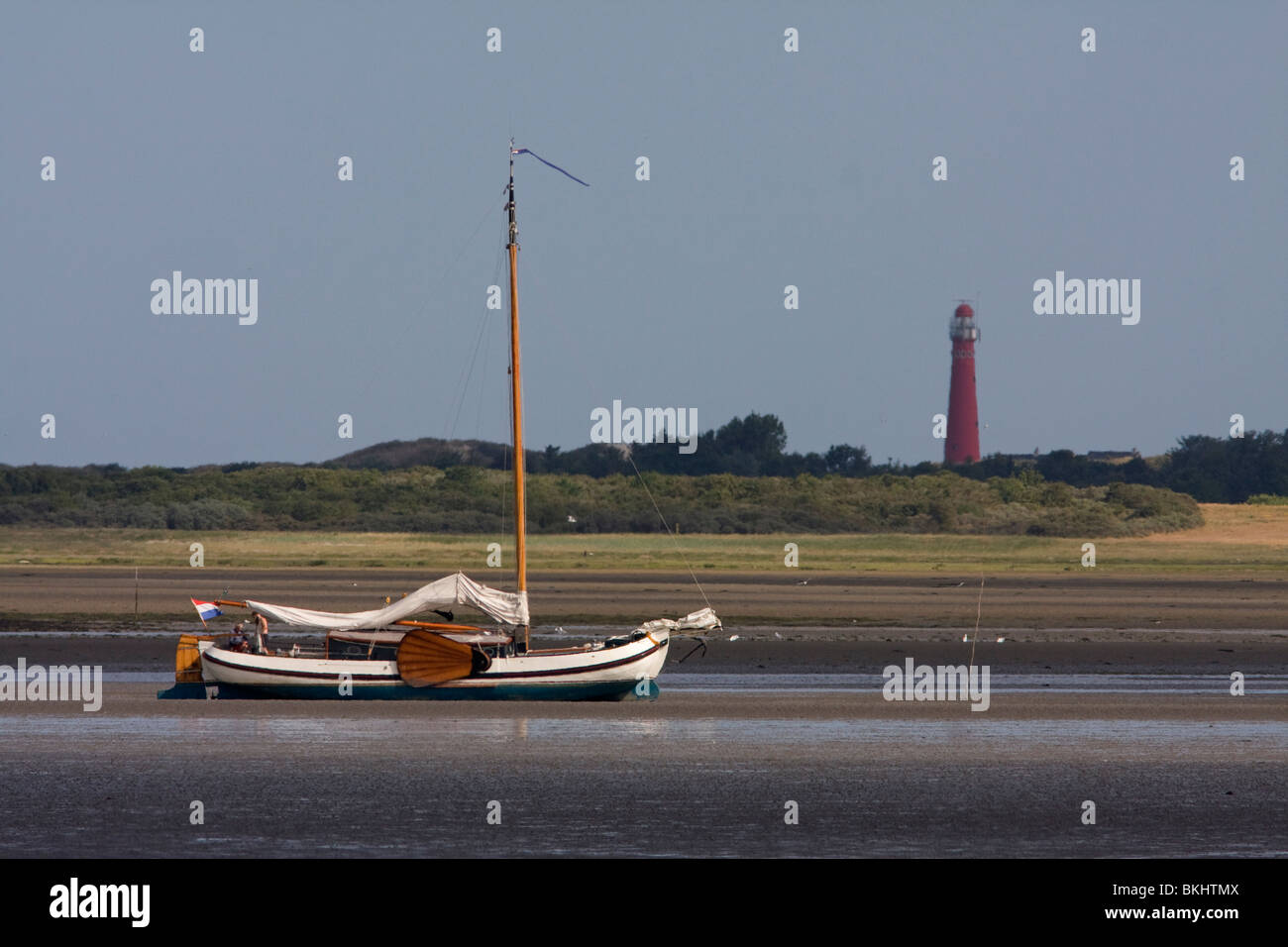 Velero en el Mar de Wadden, cerca de la isla Schiermonnikoog Foto de stock