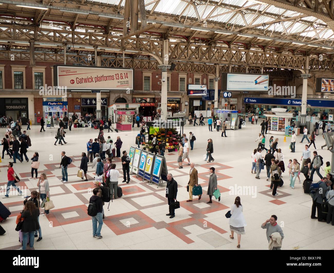 La estación Victoria en Londres Imagen De Stock