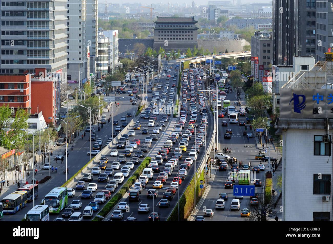 Peor atasco de tráfico en el centro de Beijing, China. 30-Apr-2010 Imagen De Stock