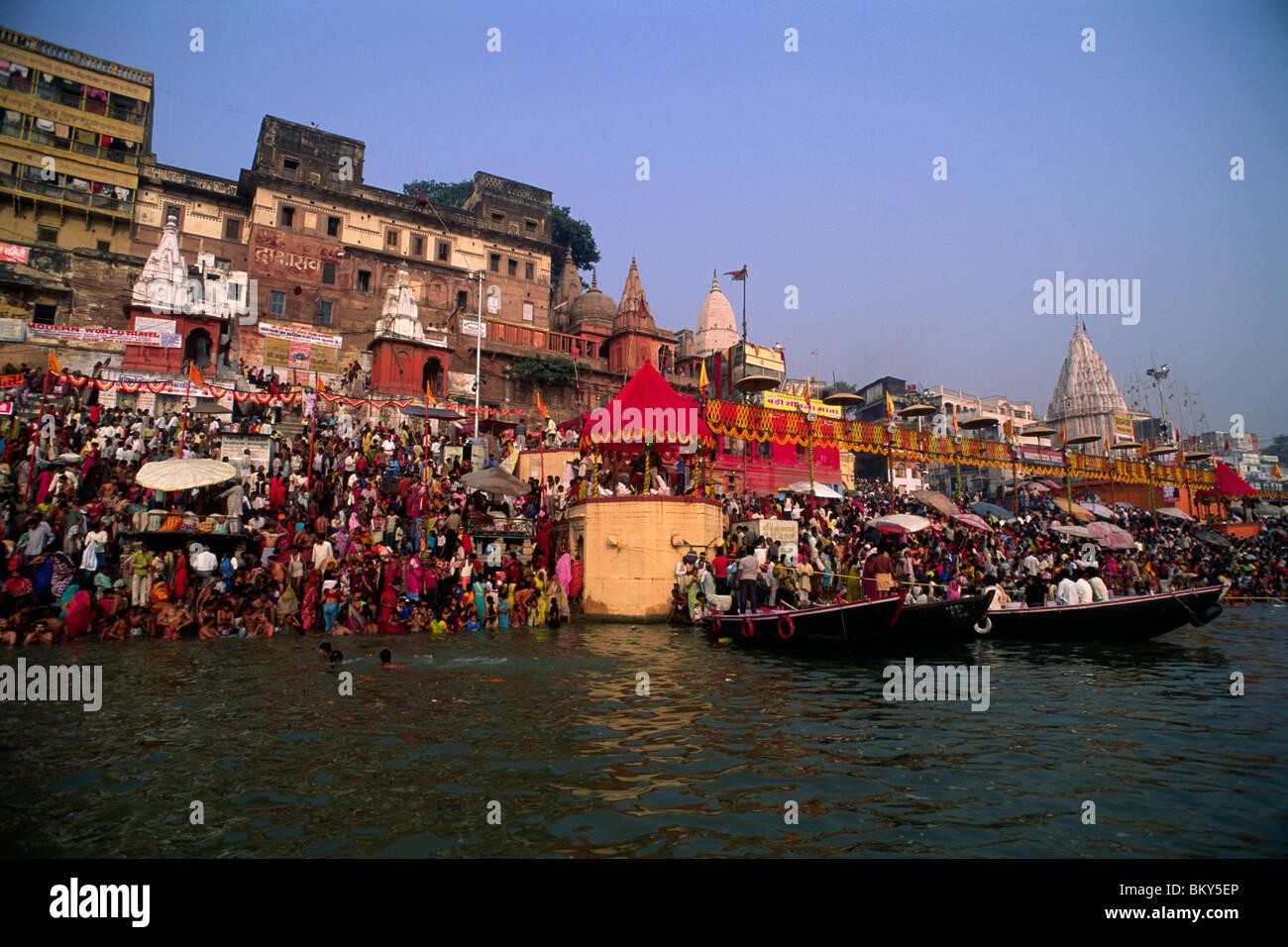 La India, Uttar Pradesh, Varanasi, río Ganges, kartik purnima festival Imagen De Stock