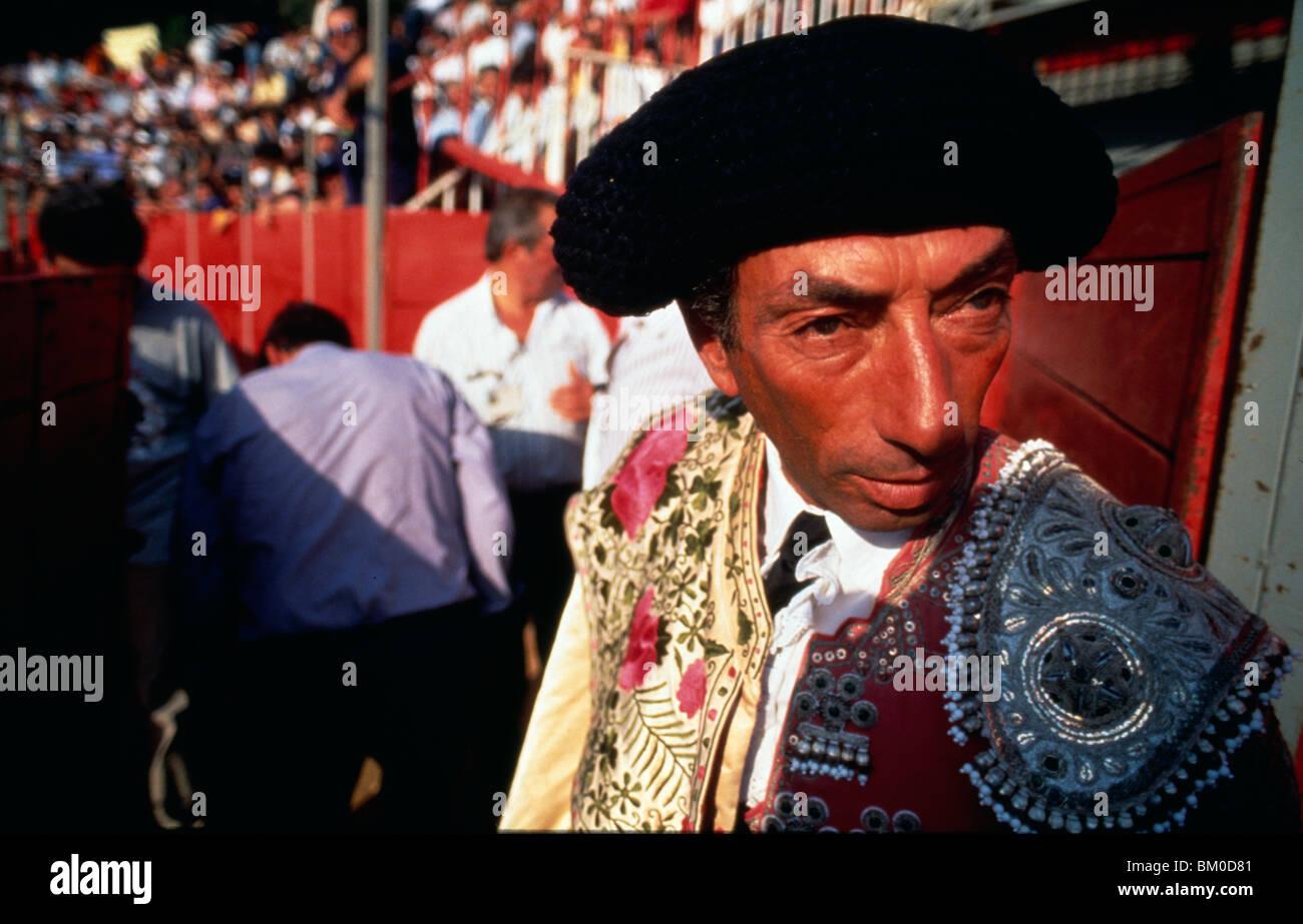 Portuguese Bullfighter Imágenes De Stock   Portuguese Bullfighter ... 98765559f25
