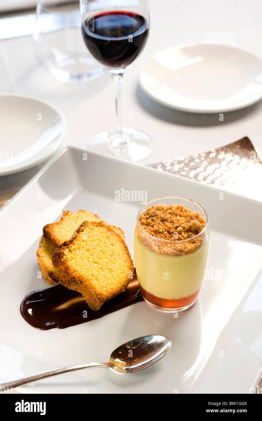 Amor polenta con frío con Moscato di Scanzo zabaione, Chef Fabricio Ferrari, Bérgamo, Italia, Europa Imagen De Stock