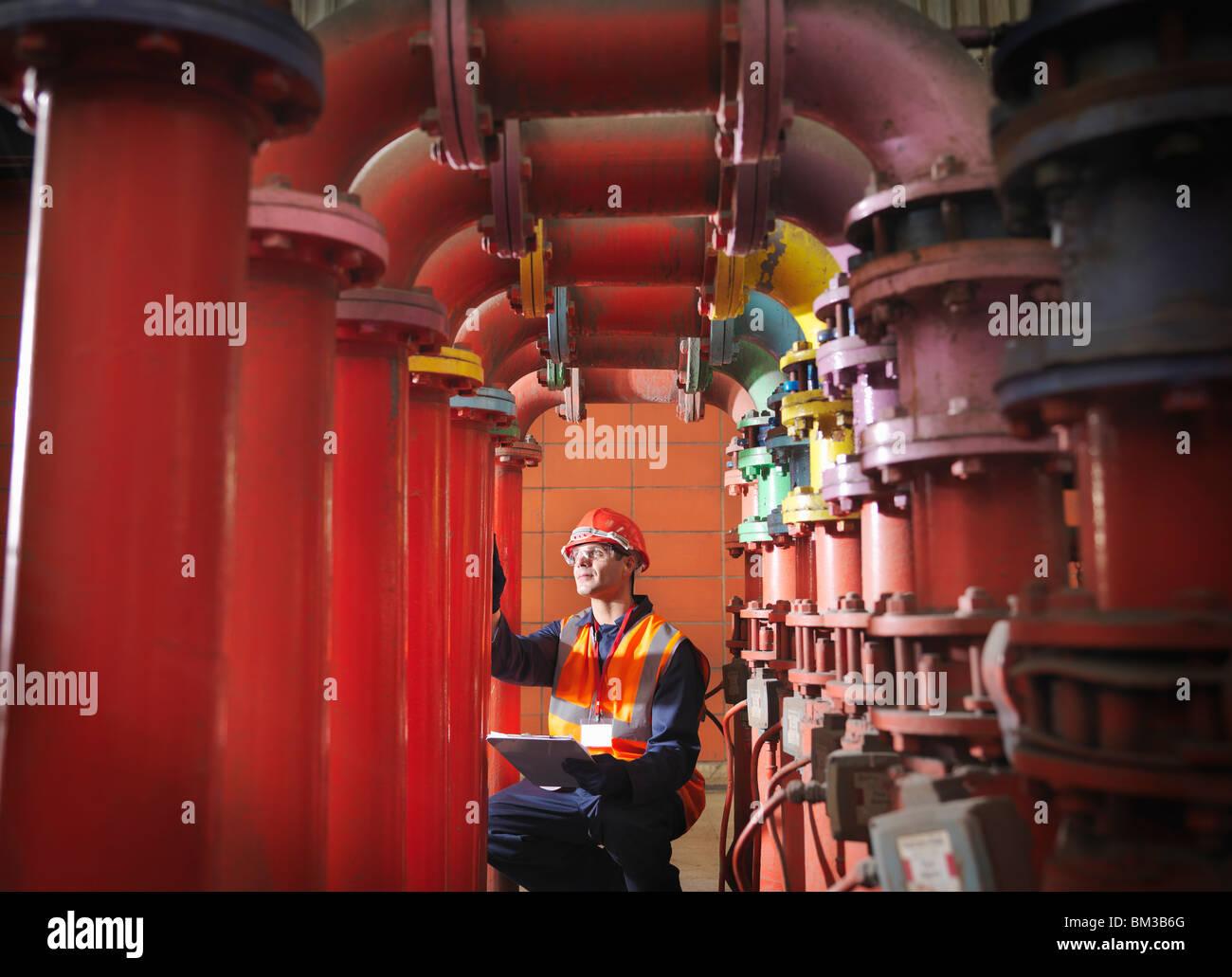 Trabajador en carbón Power Station Imagen De Stock